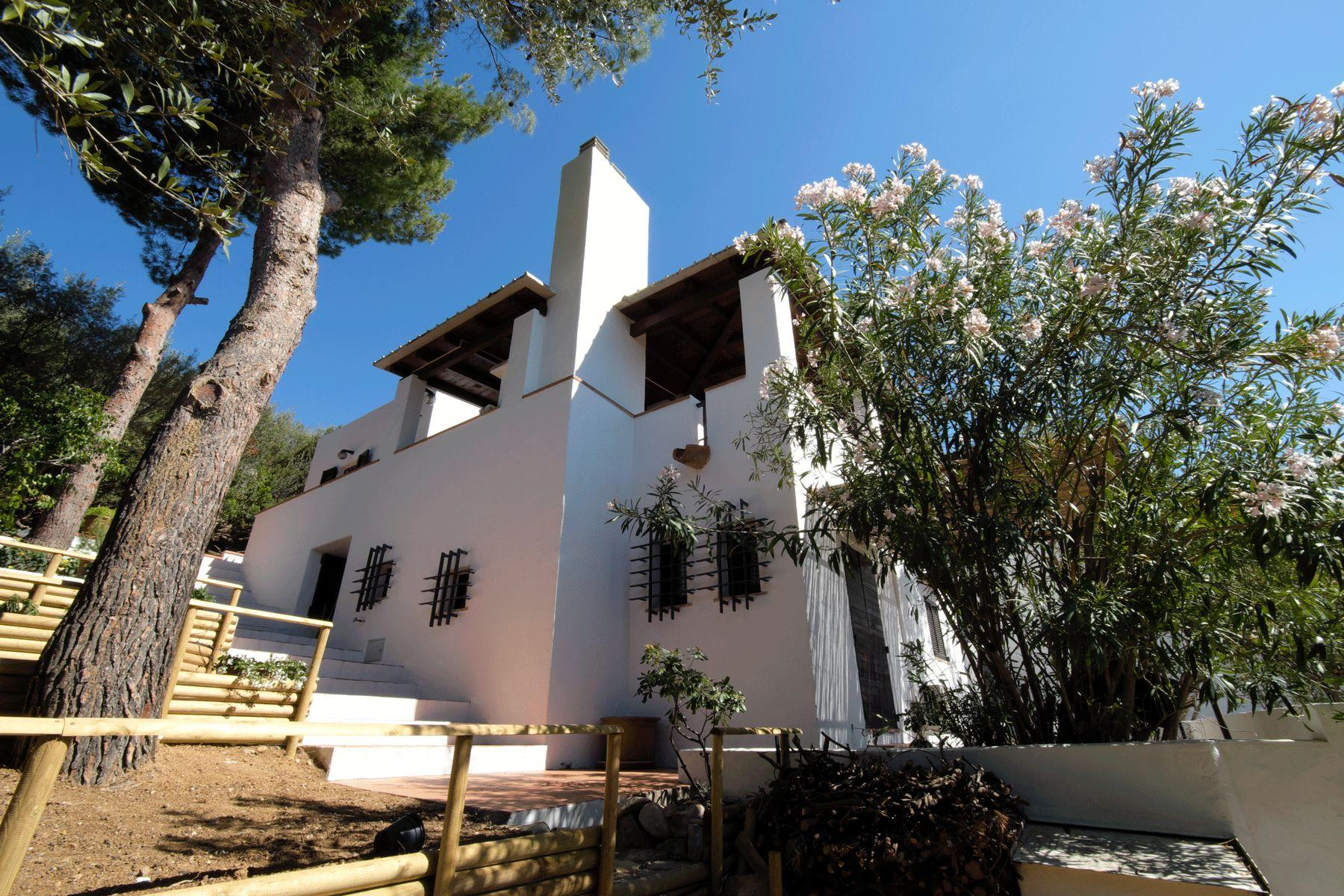 villa mit tradition f r freunde des besonderen. Black Bedroom Furniture Sets. Home Design Ideas