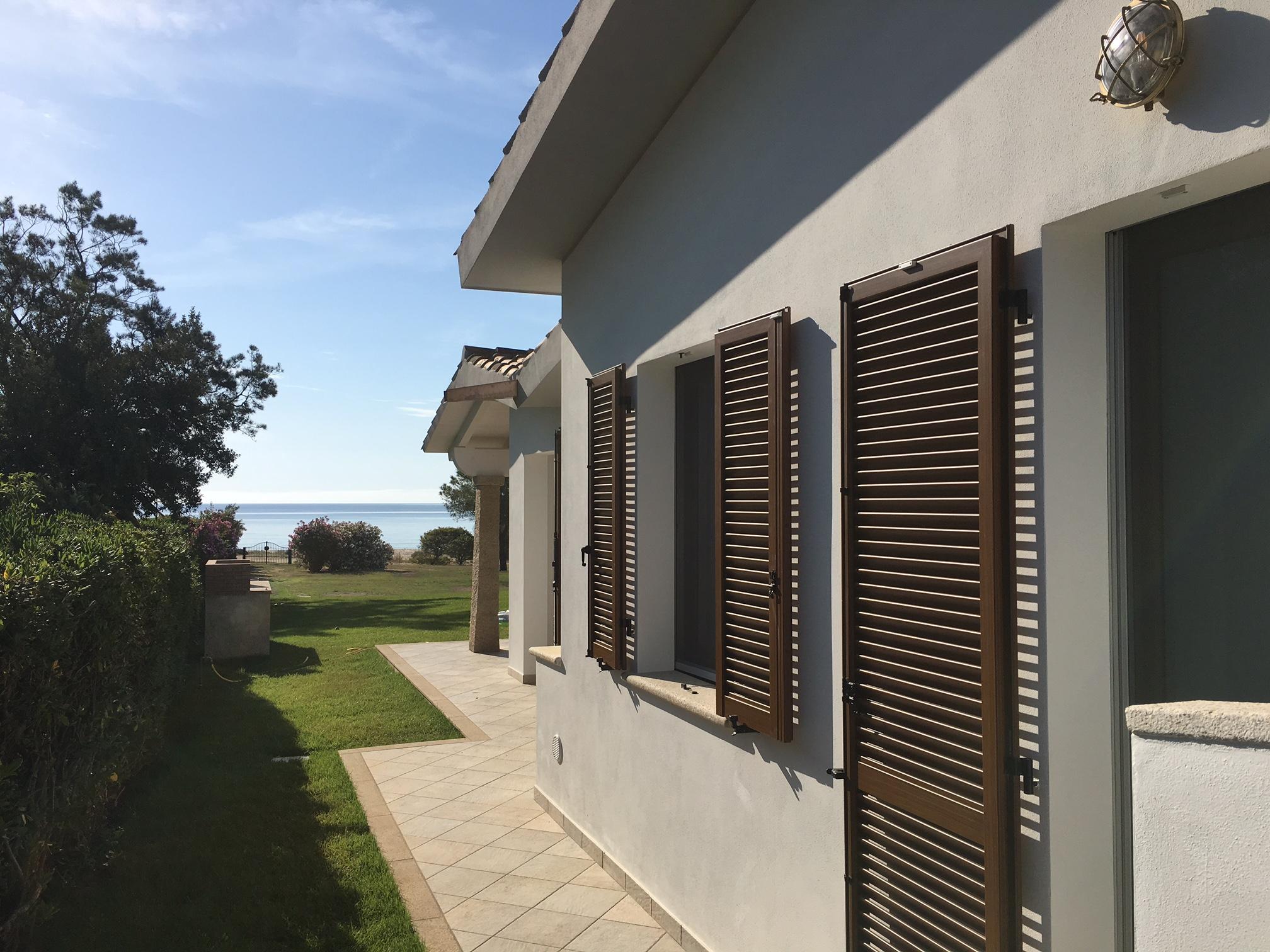Moderna villetta sul mare casa nr with villetta moderna for Progetto casa moderna nuova costruzione