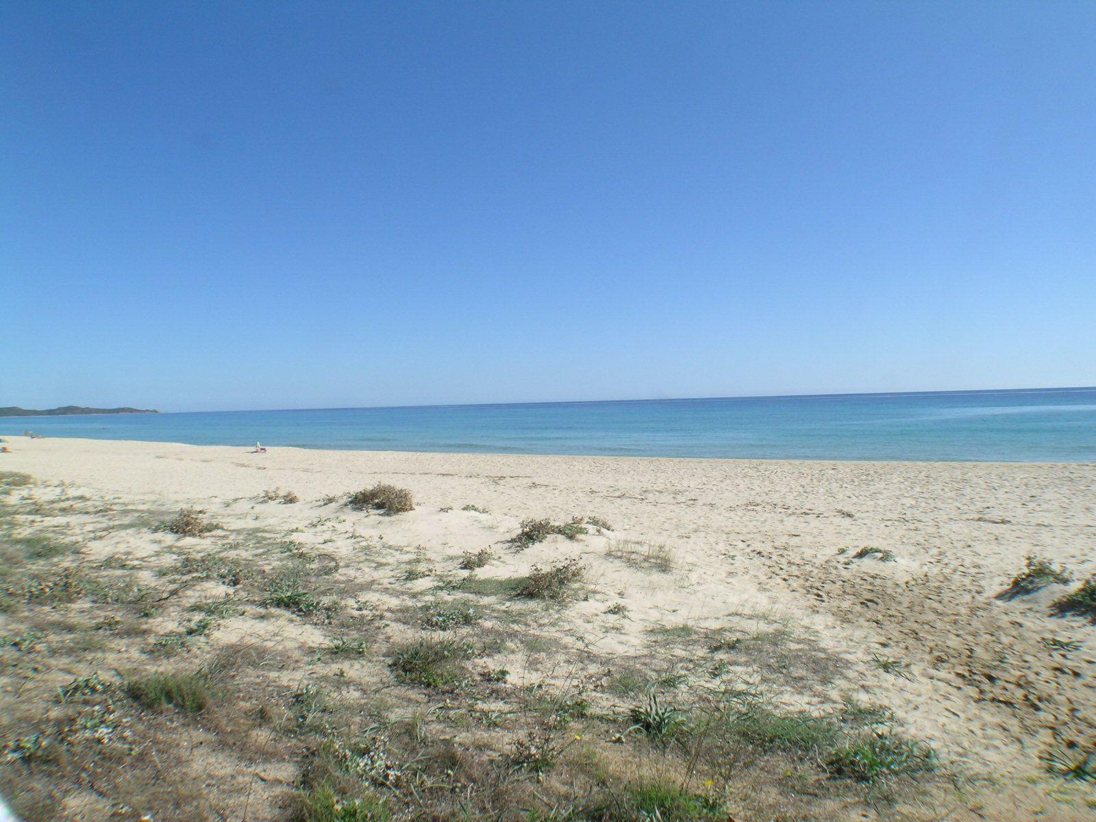 Den wellen von sardinien lauschen am strand wohnen for Sardinien ferienhaus am strand